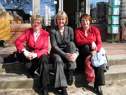 Bundestagskandidatin Hiltrud Lotze, Andrea Schröder-Ehlers (MdL) und Daniela Behrens (MdL) – Foto: Marco Sievers